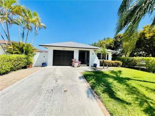 575 97th Ave Naples
