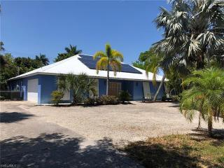 225 7th Ave N  Naples