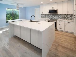 224 6th Ave S 13 Naples