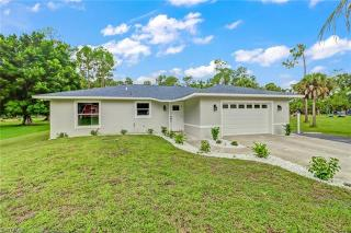 3740 13th Ave Naples